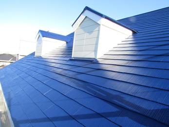 いすみ市の屋根リフォーム事例です。<br>防水性の高い塗料で雨漏りも無く安心です。